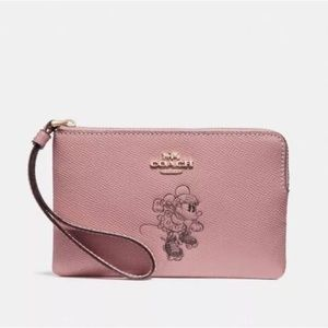 Coach X Disney Minnie Wristlet Pink
